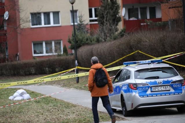 Na osiedlowej siłowni w Jelczu-Laskowicach znaleziono ciało mężczyzny. Zdjęcie ilustracyjne.