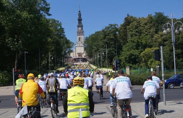 Pielgrzymi ze Strzelna jadący na rowerach dotrą na Jasną Górę 6 sierpnia