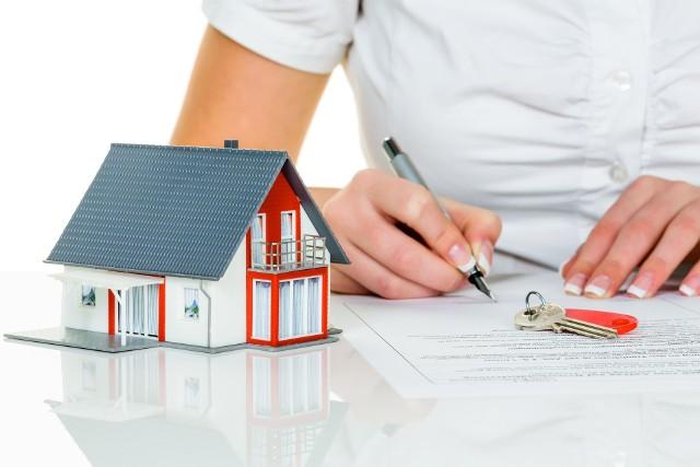 Użytkowanie wieczyste znikaPrzekształcenie użytkowania wieczystego we własność wiąże się opłatą przekształceniową. Istnieje jednak możliwość skorzystania z dużej bonifikaty.