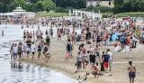 Tak wyglądały plaże w Gdańsku i Sopocie w pierwszy weekend lipca! Tłumy plażowiczów i słoneczna pogoda [zdjęcia]