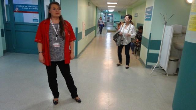 Alina Łukasik, konsultant wojewódzka w dziedzinie medycyny ratunkowej i ordynator SOR-u w szpitalu przy ul. Lutyckiej przyznaje wprost, że u niej na oddziale kilkugodzinne czekanie to norma