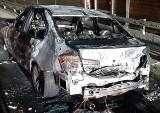 Pożar na autostradzie A1. Samochód osobowy spłonął doszczętnie pod Woźnikami. Kierowcy na szczęście nic się nie stało