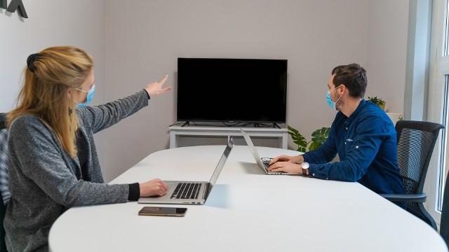 Czy firmy widzą sens w inwestowaniu w pracowników? Jak wielu pracodawców finansuje rozwój kompetencji swojego personelu?  Przekonaj się, na co stawiają przedsiębiorcy.