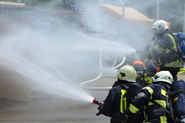 W weekend strażacy gasili auto burmistrza