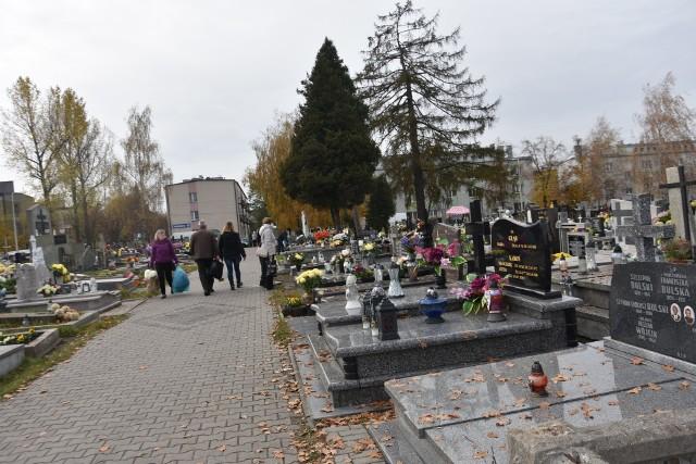 Cmentarz w Myszkowie przed 1 listopada