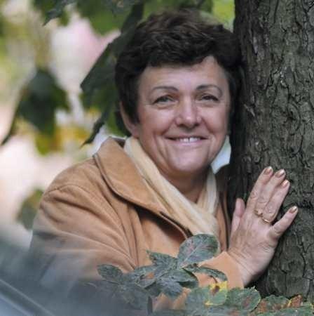 - Kocham życie, bo jest piękne i tyle w nim trzeba jeszcze zrobić... - cieszy się Ania Czyż, która w grudniu skończy 54 lata