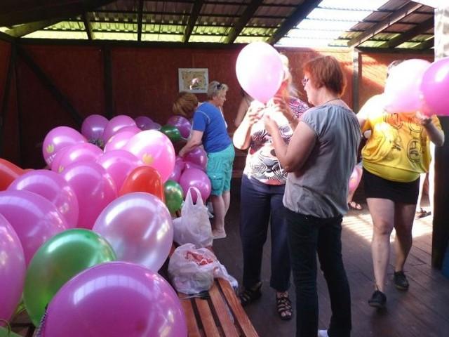 Darłowskie Amazonki zapraszają mieszkańców miasta Darłowa i okolic do wspólnego Marszu Różowej Wstążeczki - Marsz Do Zdrowia, który odbędzie się 14 października o godz. 15:00 i wyruszy z darłowskiego rynku.