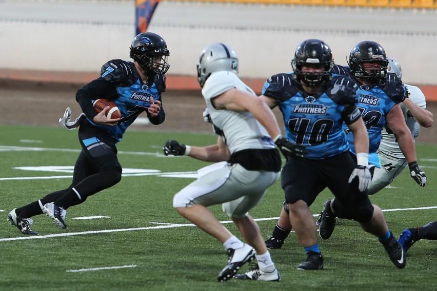 Tim Morovick (z piłką) znów poprowadził Panthers do efektownego zwycięstwa