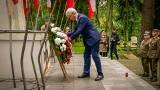 Wojewoda podlaski Bohdan Paszkowski złożył kwiaty przy Pomniku Żołnierzy Polskich w rocznicę wybuchu II wojny światowej