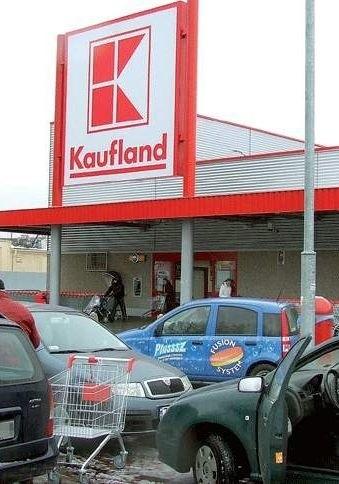 W kołobrzeskim Kauflandzie również powinni płacić za znalezienie przeterminowanych produktów.