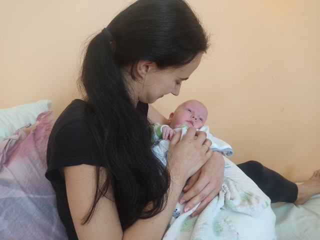 Joanna Rokitnicka i jej synek - Nikoś, którego udało się uratować dzięki nowoczesnej metodzie leczenia.