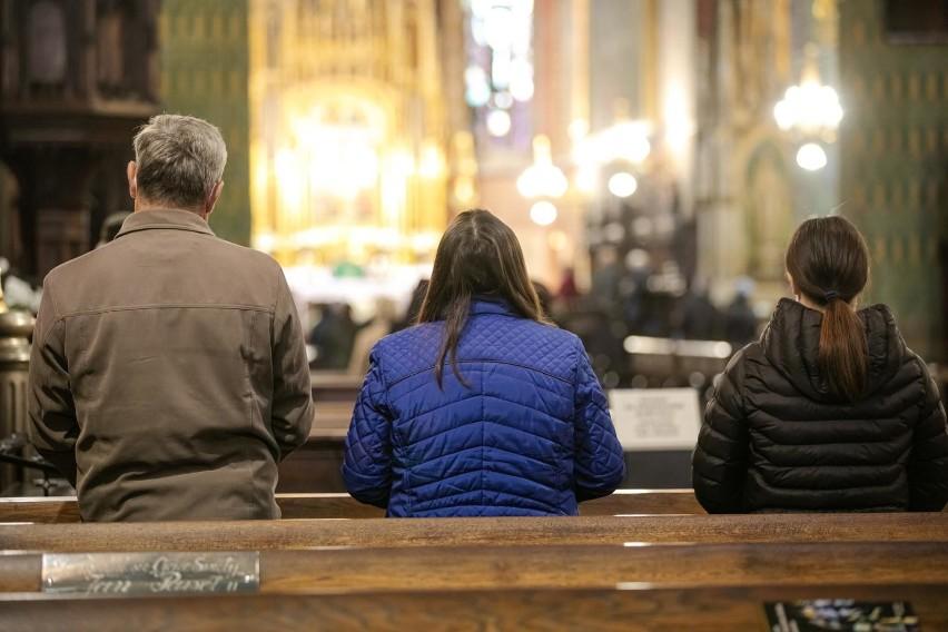 - Nakłaniamy, by Kościół też rozważył akceptację płatności...