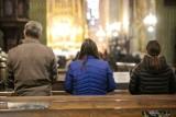W kościele zapłacisz kartą? To pomysł ministra finansów