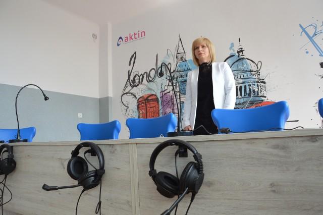 Agnieszka Ruta-Kucińska w pracowni językowej