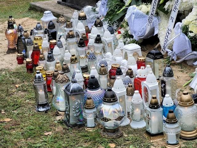 25 września odbył się pogrzeb ojca i jego trójki dzieci. Rodzina zginęła w wypadku samochodowym.