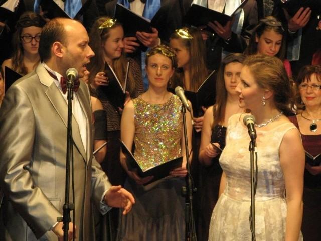 Natalia Rubiś-Krzeszowiak i tenor Adam Sobierajski podczas sobotniego koncertu w Collegium Polonicum.