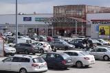 Niedziela handlowa w Kielcach. 25 kwietnia w sklepach Biedronka, Lidl oraz marketach Auchan i Pasaż Świętokrzyski sporo osób robiło zakupy