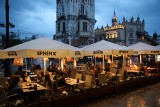 Kraków. Wróciły wieczorne biesiady w ogródkach przed pubami i restauracjami [ZDJĘCIA]