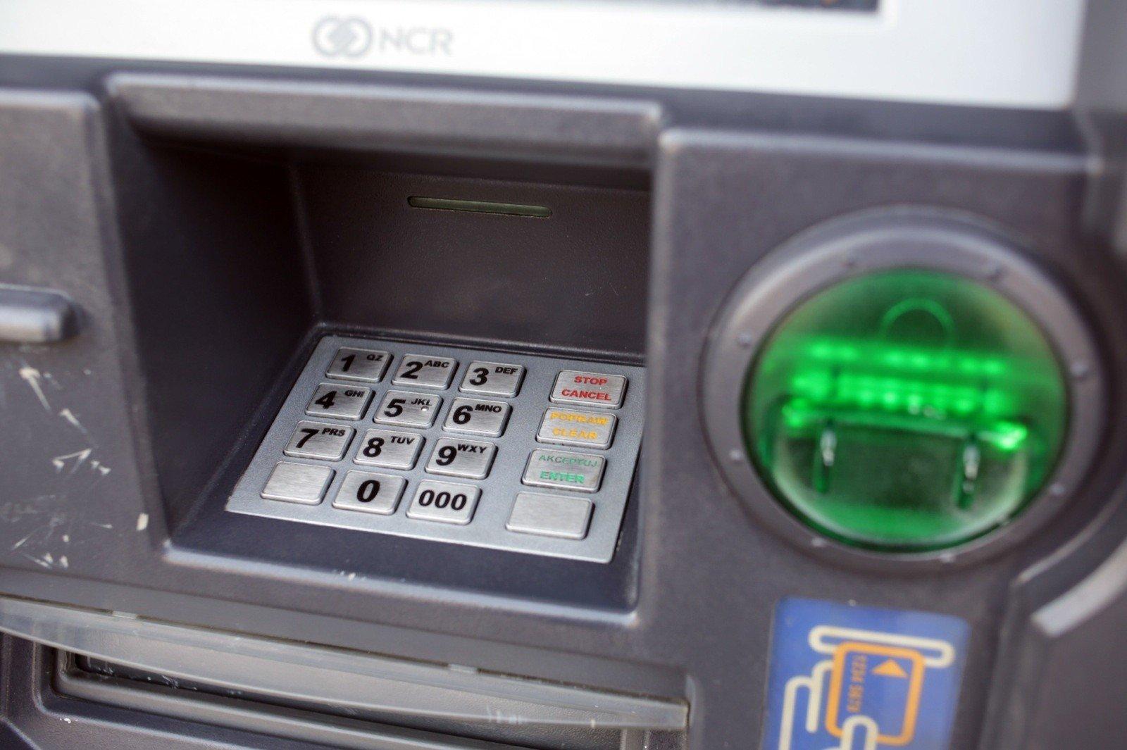 Santander Bank warns: Are you withdrawing cash at an ATM