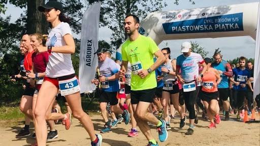 W Agrobex Piastowskiej Piątce startują zarówno początkujący biegacze, jak i zaawansowani amatorzy