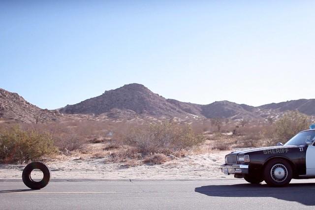W filmie Opona/Rubber bohaterem jest zabójcza opona samochodowa o imieniu Robert.