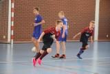 [ZDJĘCIA] Piłka nożna. Młodzież grała charytatywnie dla Adama Gumulaka. Emocji w Szydłowcu nie brakowało
