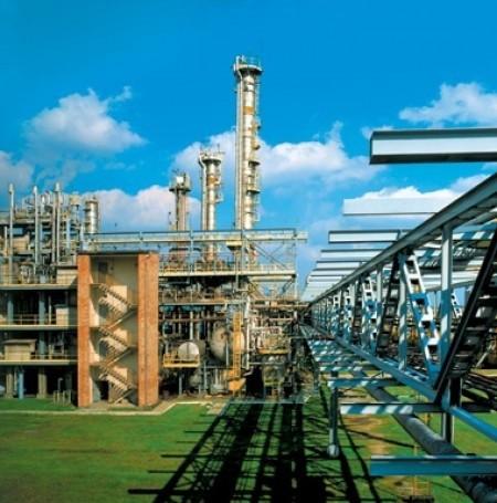 W sumie w ciągu ostatnich pięciu lat w ZAK zmniejszono emisję zanieczyszczeń do atmosfery o ponad 10 procent, a scieków o około 20 procent. (fot. www.zak.com.pl)
