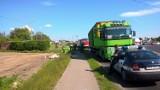 Uciekły kaczki z jadącej ciężarówki [zdjęcia]
