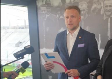 W poniedziałek poznamy nowego trenera piłkarskiej drużyny  ŁKS