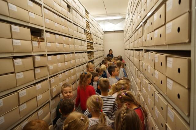Archiwum Państwowe wzbudza zainteresowanie nawet najmłodszych