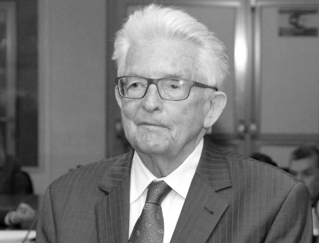 Prof. Wiesław Skrzydło zmarł w wieku 92 lat.