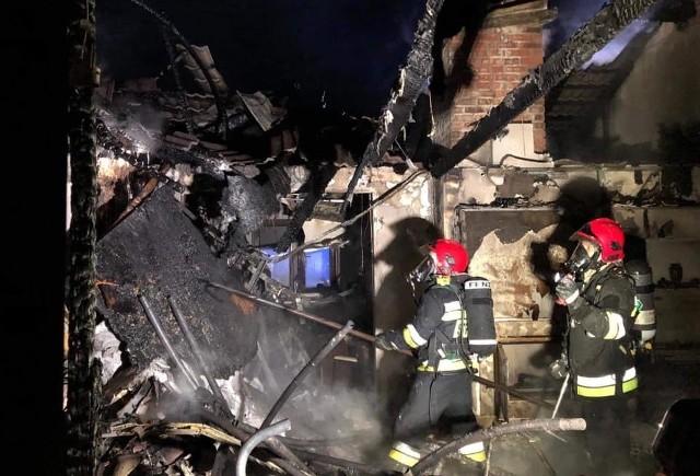 W sobotę, 4 stycznia po godz. 22 w miejscowości Gowarzewo w powiecie poznańskim wybuchł pożar. Palił się dom jednorodzinny. Na szczęście w pożarze nikt nie ucierpiał. Zobacz zdjęcia z miejscu pożaru ---->
