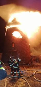 Pożar wiatraka w Nowem. Straty są ogromne. Zobacz zdjęcia