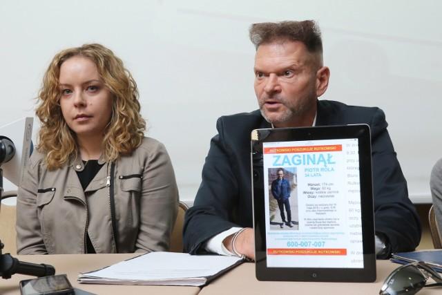 O pomoc w odnalezieniu Piotra Roli apeluje jego żona Anna, poszukiwania rozpoczął już także detektyw Rutkowski.