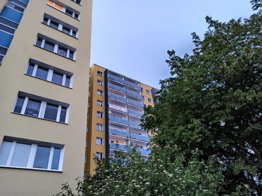 We wtorek na balkonie jednego z bloków na os. Bolesława...