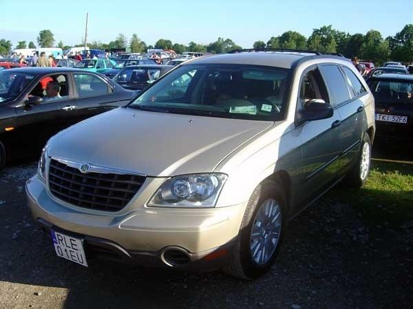 Chrysler PacificaSilnik 3,8 V6 benzyna. Rok produkcji 2005. Wyposazenie: pelna opcja Cena 80000 zl.