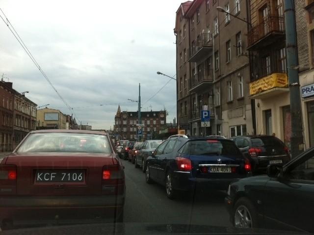 Zakorkowane są również ulice w centrum. Tu 1 Maja