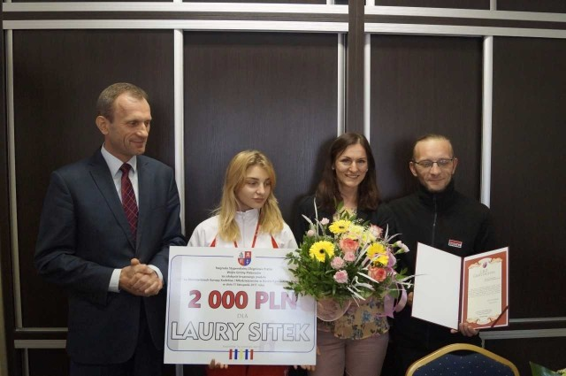 Wójt Zbigniew Piątek pogratulował młodej zawodniczce oraz jej rodzicom.