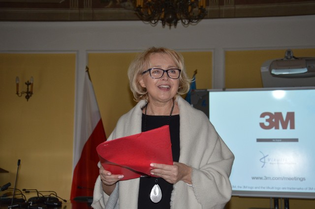 Barbara Doroba podczas prezentacji zbioru zadań