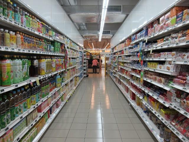 W ciągu ostatnich czterech miesięcy z różnych suwalskich sklepów zniknęły towary spożywcze i przemysłowe na łączną kwotę około 10 tys. złotych.
