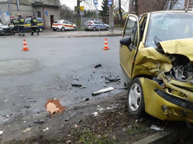 Jedna osoba nie żyje,  druga jest w stanie ciężkim po wypadku w Nowym Porcie