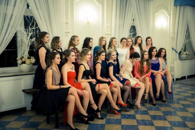 VI Liceum Ogólnokształcące w Białymstoku swoją studniówkę 2017 zorganizowało w Dworze Czarneckiego.