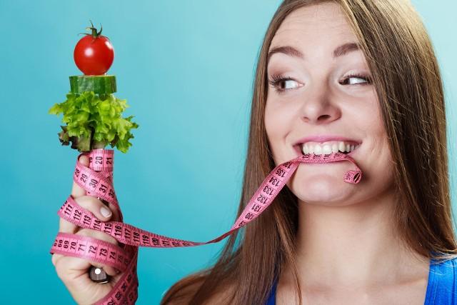 Diety odchudzające, które działają skutecznie bez liczenia kalorii, istnieją naprawdę!