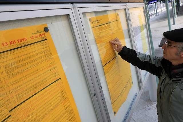 Nowy kolejowy rozkład jazdy, który wchodzi w niedzielę, będzie obowiązywał do 12 marca 2016 roku