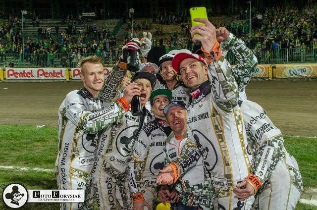 Mimo pewnych problemów, w drużynie Ekantor.pl Falubazu Zielona Góra panuje dobra atmosfera i zgranie.