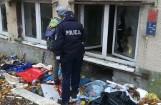 Osobom bezdomnym w Gdańsku pomagają m.in. streetworkerzy, policjanci, autobus SOS i... aplikacja na telefon ARRELS