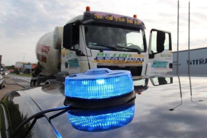 Inspektorzy Transportu Drogowego zatrzymali w Radomiu przeładowane ciężarówki. Najcięższy pojazd ważył o 12 ton za dużo.