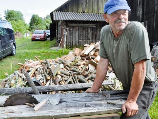U Mikołaja Ruczaja w Topczykałach mieszka czterech robotników, pracujących przy budowie fabryki w Koszkach