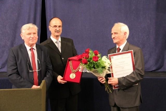 Stefan Ryt otrzymał wyróżnienie Honorowego Wójta Gminy.