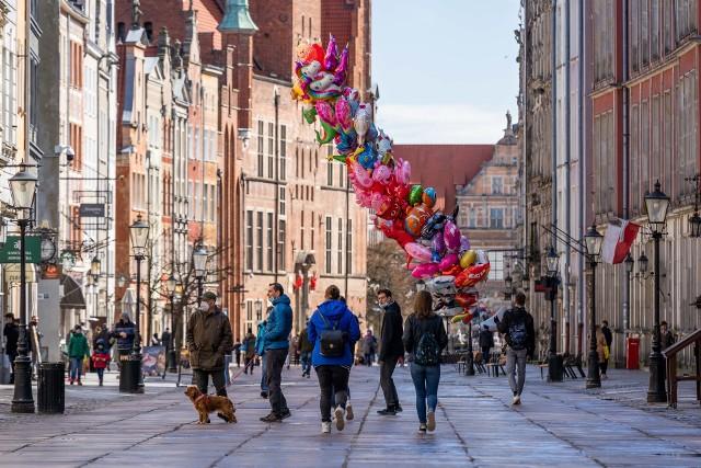 Świąteczne spacery po parku Oruńskim i starym mieście w Gdańsku 3.04.2021.
